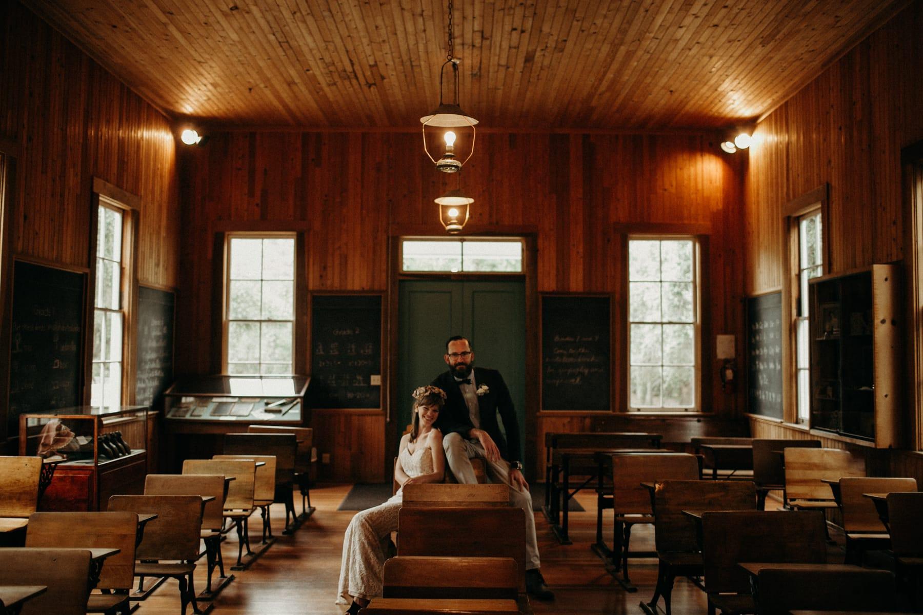 heritage hill school house wedding portaits
