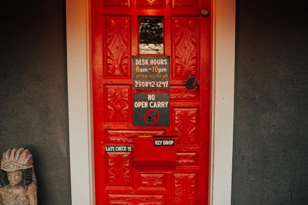 el cosmico front door