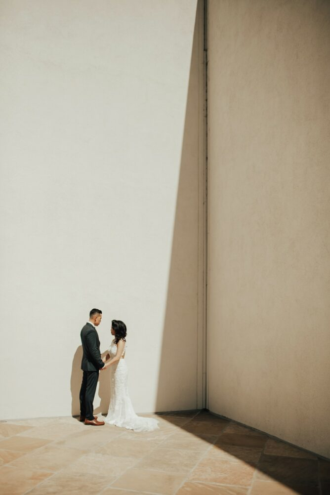 modern wedding portraits