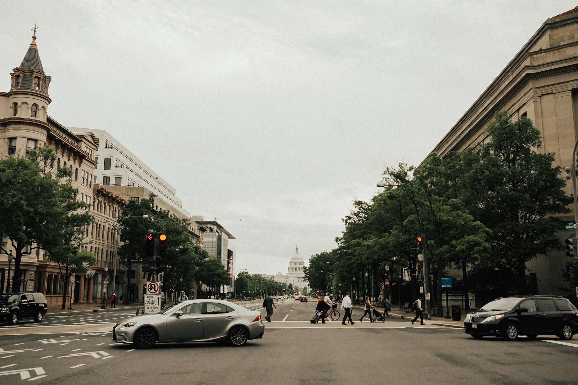 view of US Capitol from street