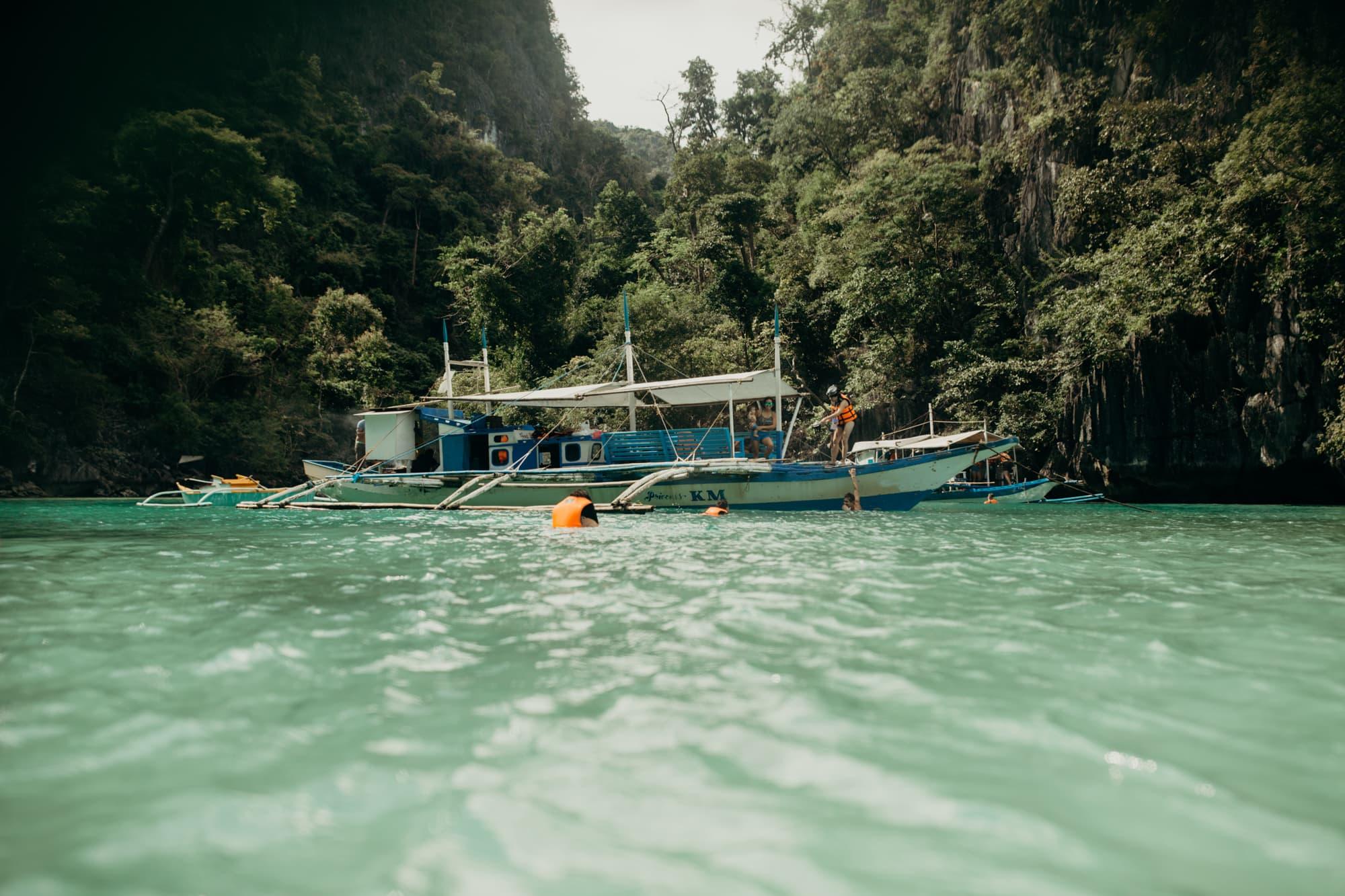 green lagoon coron