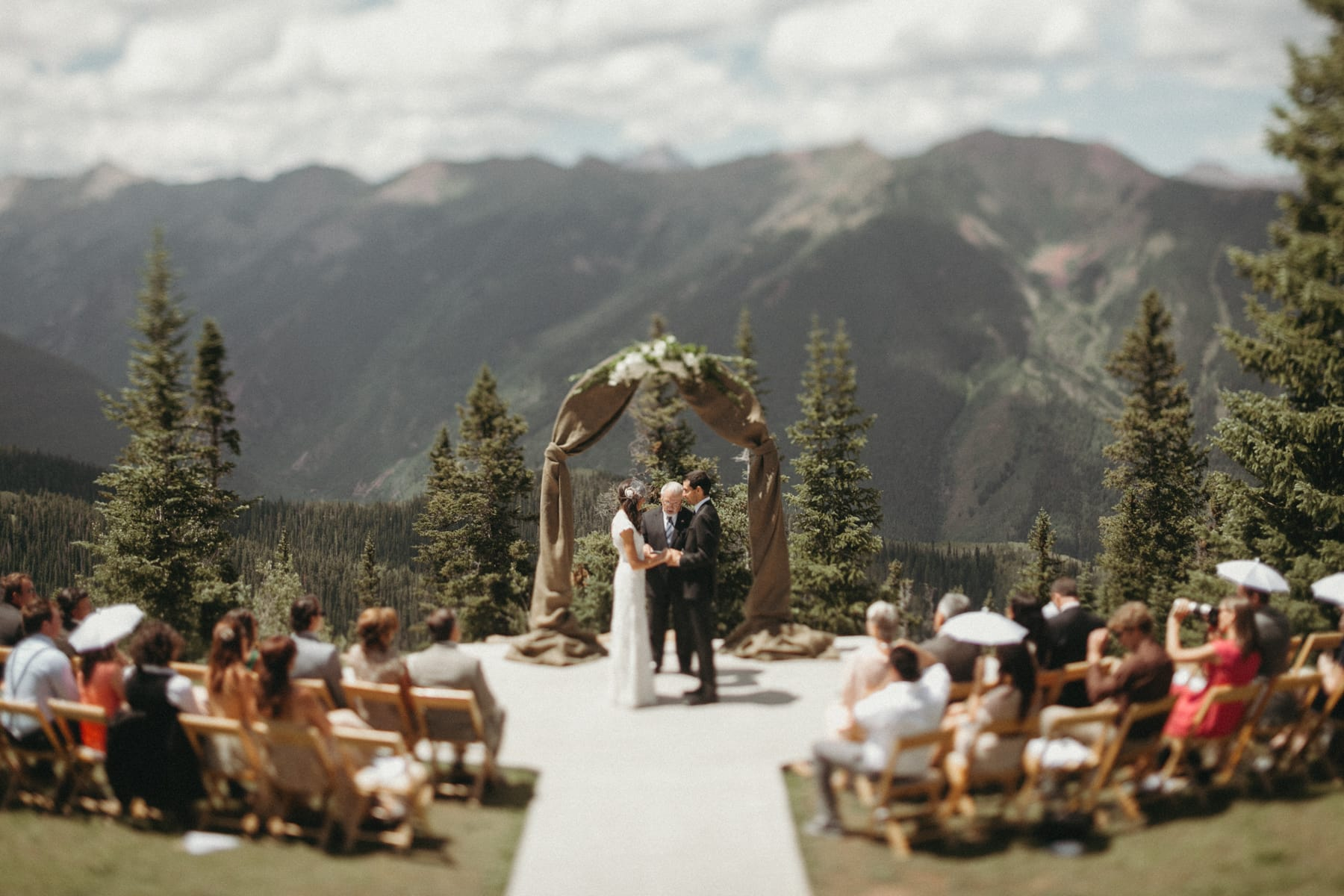 wedding ceremony at the little nell